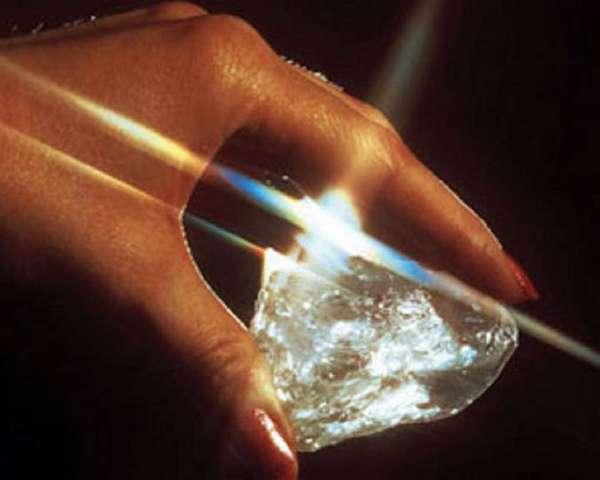 13 самых больших алмазов в мире и их история
