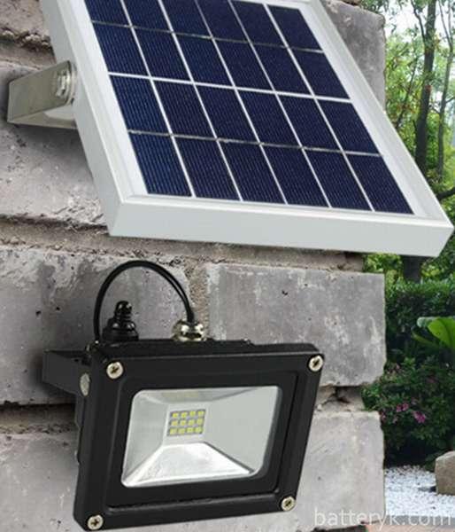 Установка прожектора на солнечных батареях