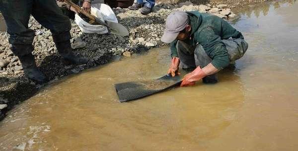 Как добыть золото из речного песка: какие инструменты нужны + как получить разрешение на добычу