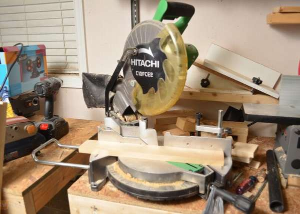 Hitachi C10FCH2