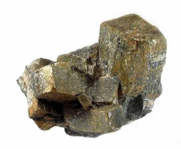 Андалузит — магия в каменной плоти