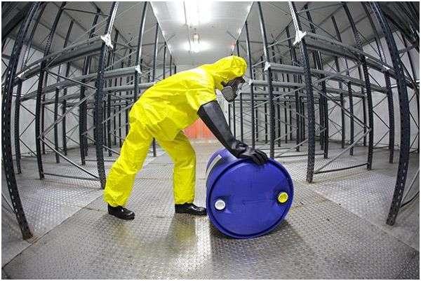 работа с радиоактивными отходами