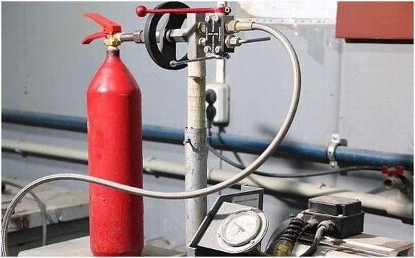 обслуживание огнетушителя