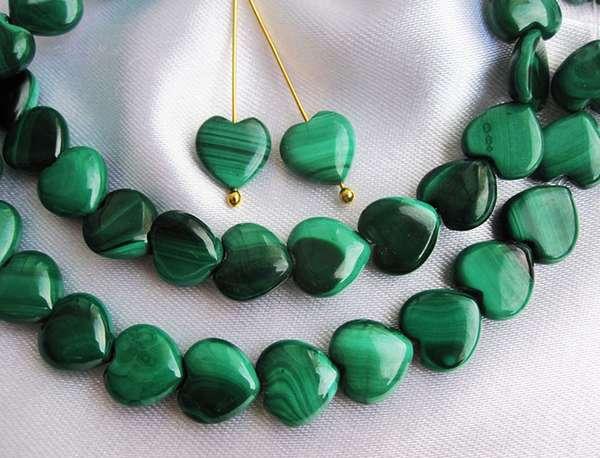 Камень малахит: зеленая сказка с поразительными свойствами