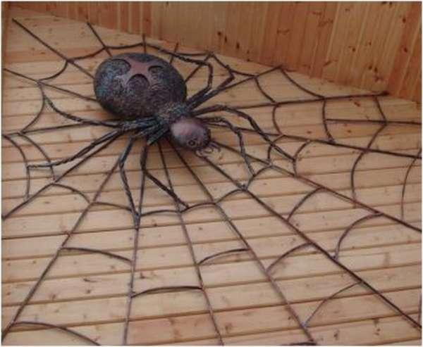 Кованный паук