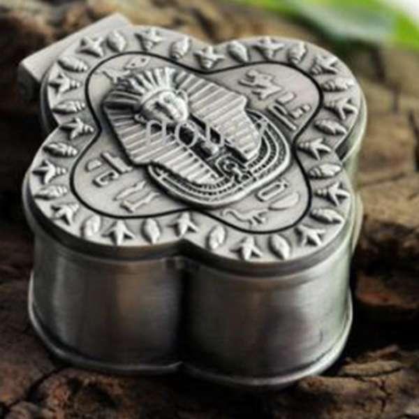Сувенир в качестве подарка из олова