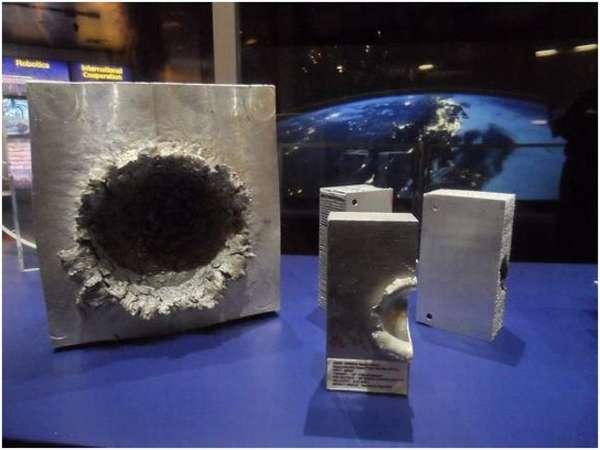 экспонаты в музее космоса