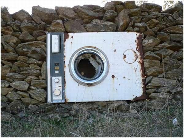 ржавая стиральная машина