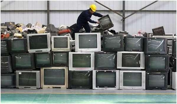 куча телевизоров