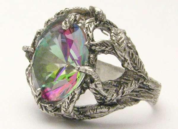 В чем отличие алмаза и графита и где используются минералы