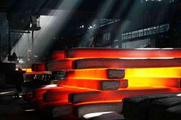 Раскаленная аустенитная сталь