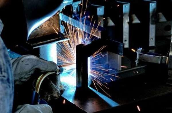 Сварка разнородных металлов в пространственно-крепежном приспособлении