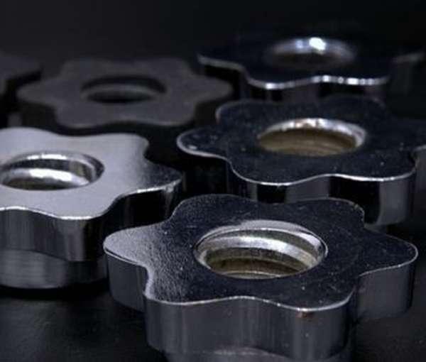 Чернение комплектующих деталей способно сохранять их в первозданном виде длительное время на складе