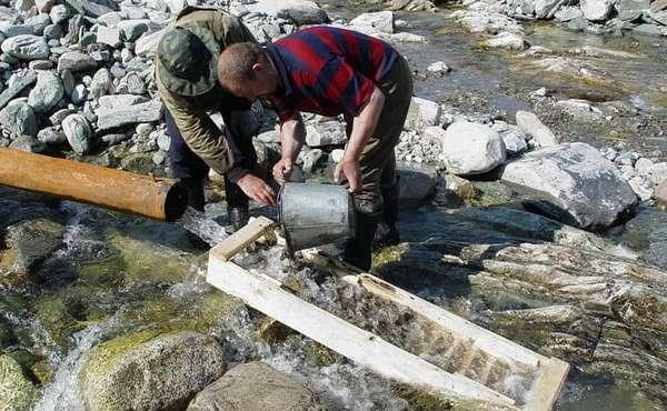 Где искать и как найти золото в реке: признаки присутствия драгметалла + инструкция как мыть вручную