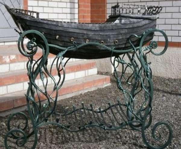 Кованые мангалы с узорами и в виде лодки