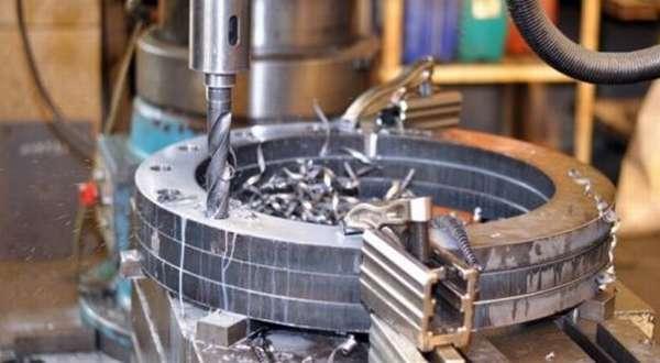 Технология подачи сверла в металл