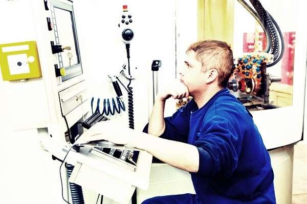 Что делает оператор станков с чпу