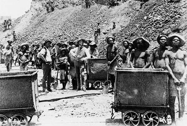 Алмазная шахта De Beers в Южной Африке 1885 год