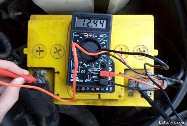 Проверка емкости аккумулятора авто мультиметром