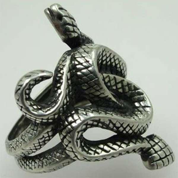 Украшение из олова - змейка