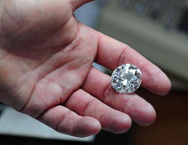 Каков размер бриллианта в 1 карат в мм для разных форм огранки