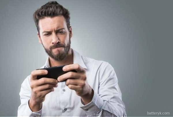 Игры на смартфоне потребляют много заряда
