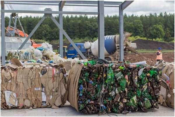 тюки с мусором
